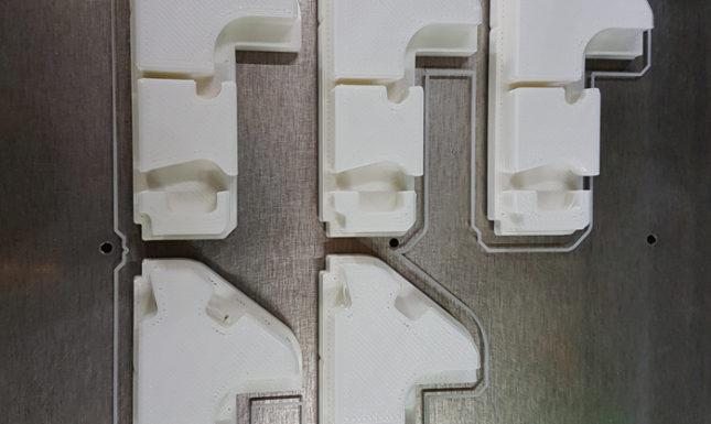 Pièces diverses pour une société de cloisons aluminium